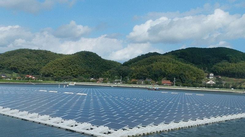 Điện năng lượng mặt trời nổi