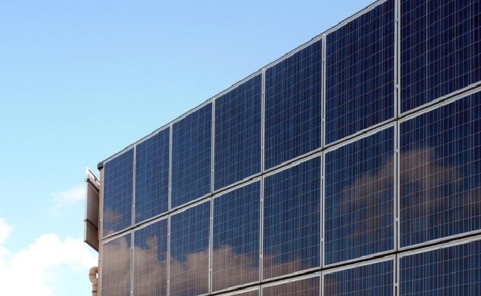 Tâm pin năng lượng mặt trời loại nào tốt?