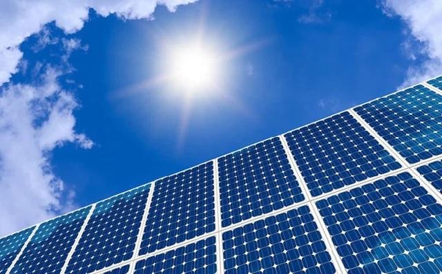 Hiệu suất pin mặt trời là gì