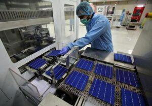 Lắp đặt điện mặt trời nên dùng tấm pin của hãng nào?